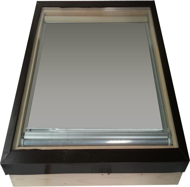 Tenda elettrica oscurante da interno per lucernari e for Vendita lucernari